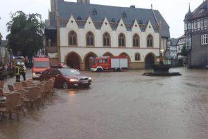 Der Goslarer Marktplatz unter Wasser