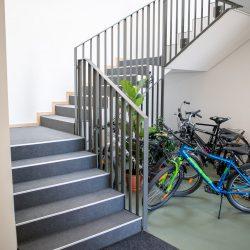 Fahrräder können hier untergestellt werden